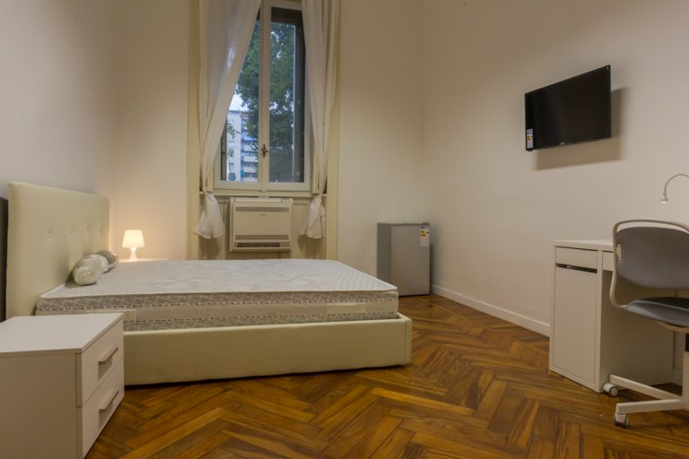 Double Bed in Rooms for rent in fantastic 4-bedroom apartment in Buenos Aires