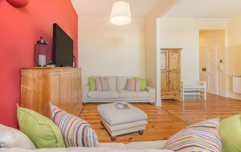Grande appartamento con 3 camere da letto in affitto a Graça, Lisbona