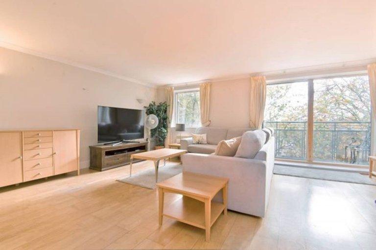 Mieszkanie z 2 sypialniami do wynajęcia w Chiswick w Londynie