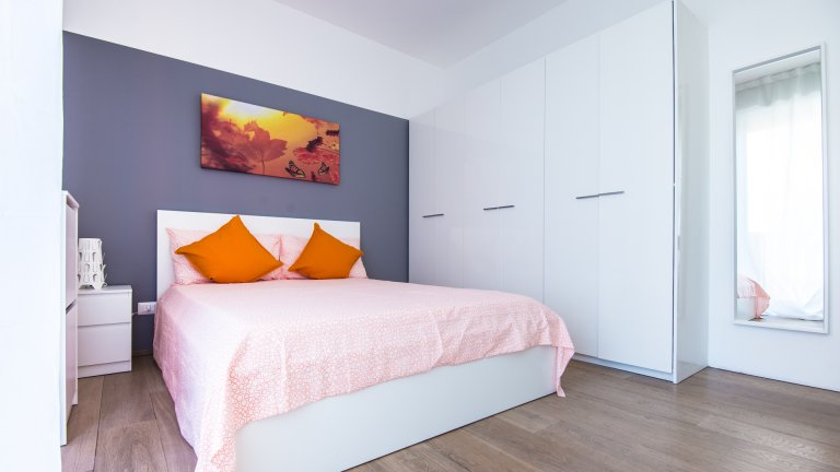 Spaziosa camera in affitto in appartamento con 3 camere da letto, Bovisa Milano
