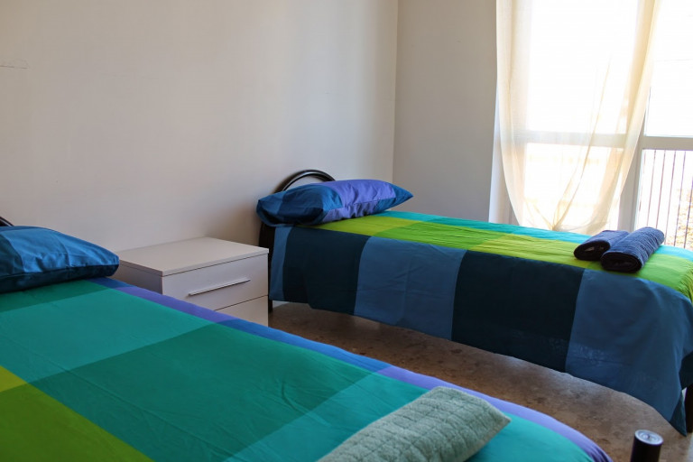 Twin Beds in Rooms for rent in 6-bedroom apartment in Greco