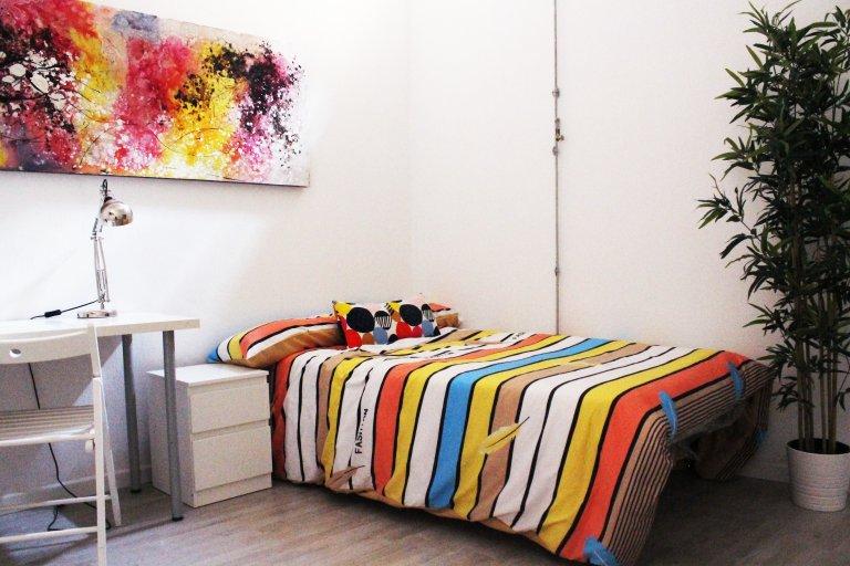 Habitación doble hogareña en alquiler en Lavapiés, Madrid