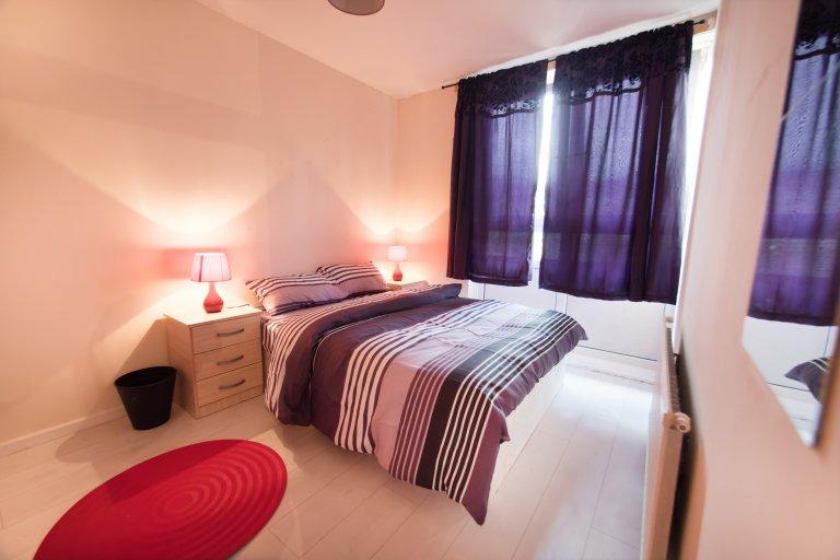Tower Hamlets, Londra'da 4 yatak odalı daireye yer var