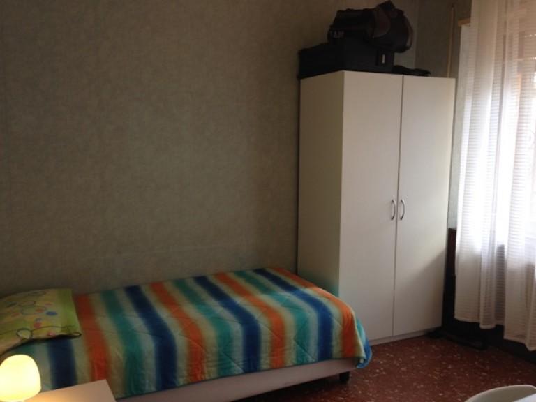 Stanza arredata in un appartamento, Tiburtina, Roma