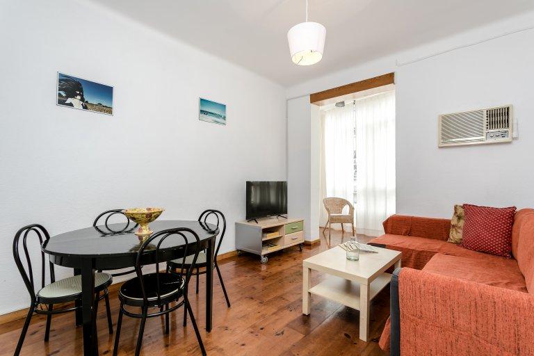 Lindo apartamento de 4 quartos para alugar em Eixample Dreta