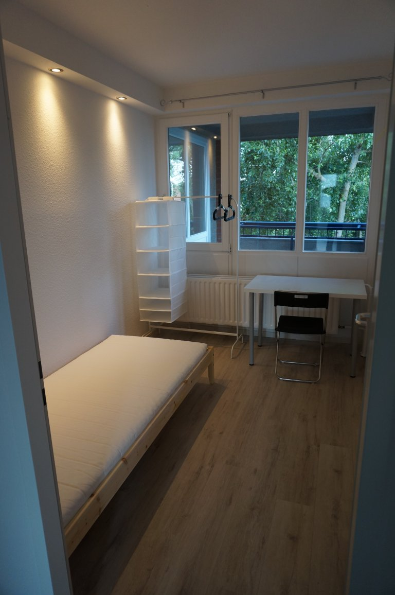 Rooms for rent in 4-bedroom apartment in Mitte, Berlin