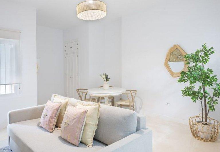 1-pokojowe mieszkanie do wynajęcia w Príncipe Pío w Madrycie
