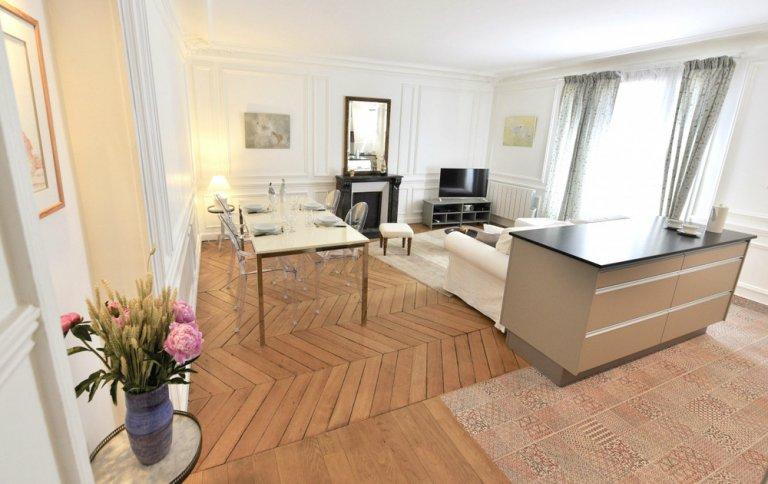 Spacieux appartement de 2 chambres à louer à Paris 2ème Arron.