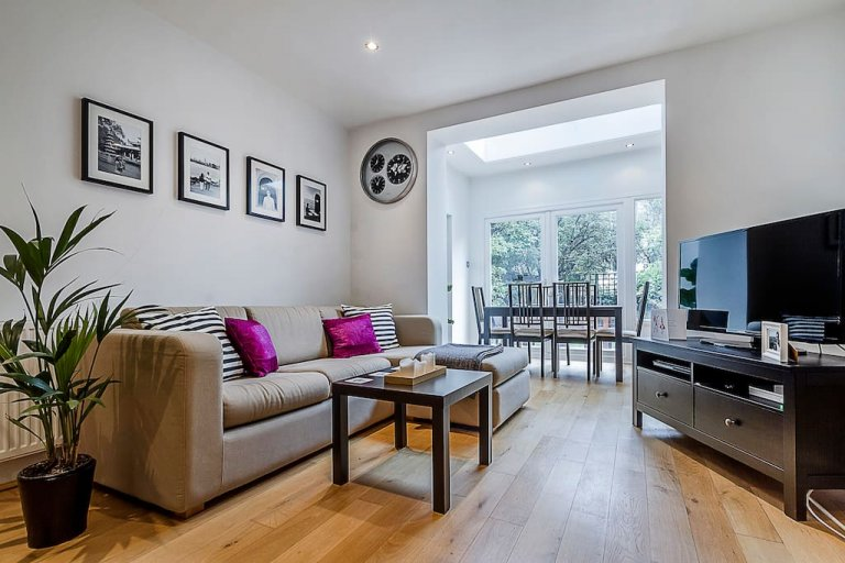 Stunning 1-bedroom apartment with garden for rent in Islington, London