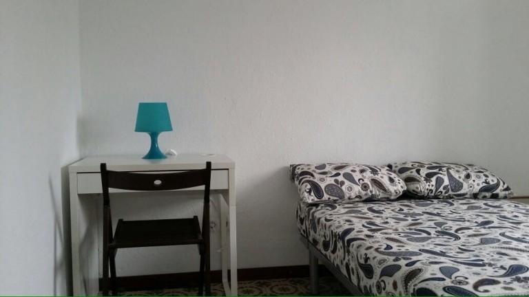 Chambre meublée dans un appartement partagé à El Raval, Barcelone