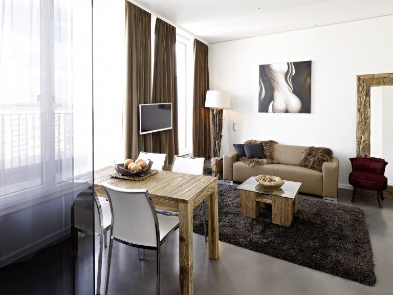 Berlin Mitte'de kiralık şık 1 odalı daire