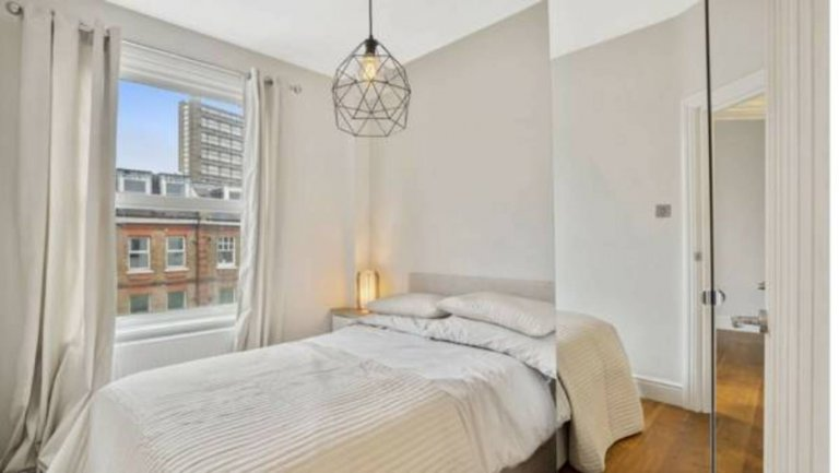 Stylish room in 2-bedroom flat in City of Westminster