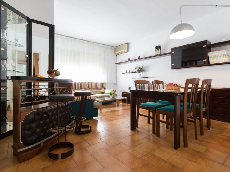 Apartamento de 4 dormitorios en alquiler en Sant Martí, Barcelona