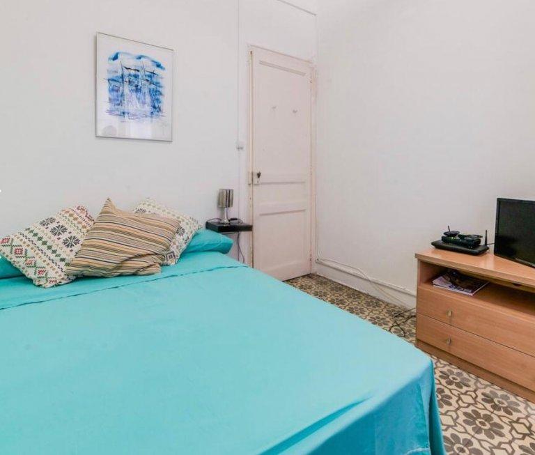 Room in 3-bedroom apartment in Eixample, Barcelona