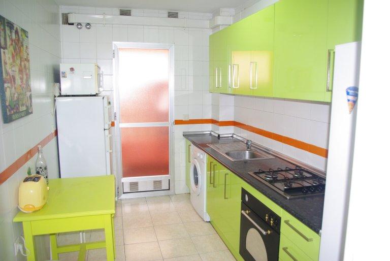 Room in shared apartment in Granada
