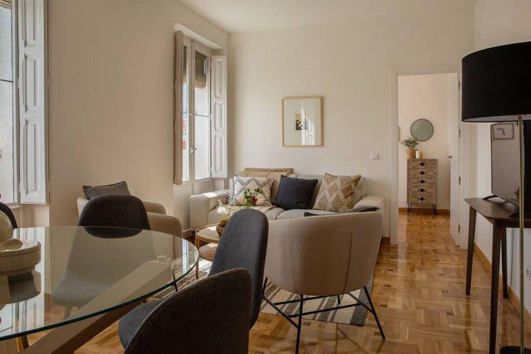 Apartamento de 4 quartos com varanda para alugar, Salamanca, Madrid
