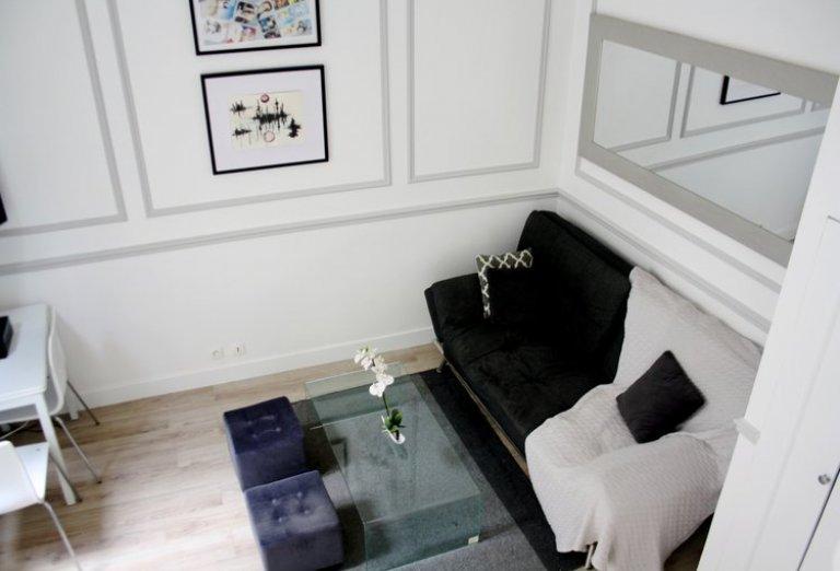 Studio apartment for rent in Paris 16