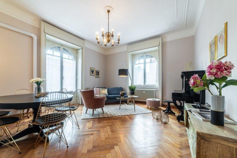 Apartamento de 3 dormitorios en alquiler en Córcega, Milán