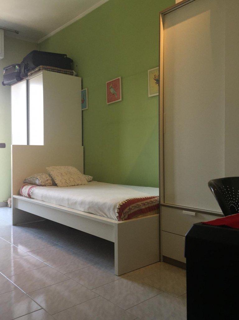 Lit à louer en colocation appartement avec 2 chambres Ex Om