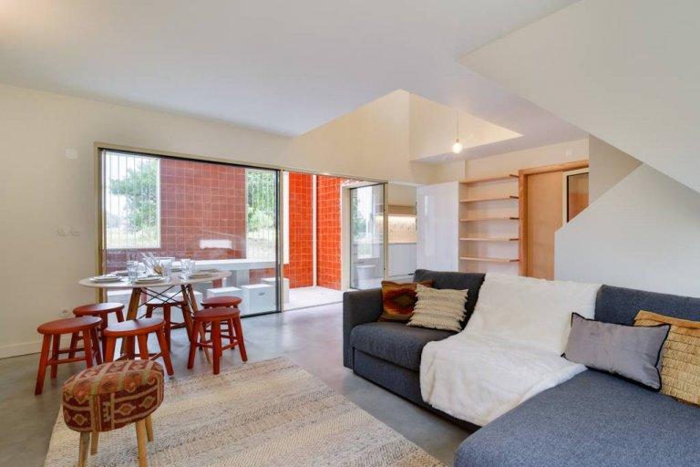 Appartement de 4 chambres à louer à Carnide, Lisboa