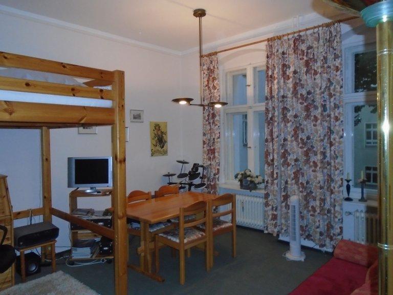 Przytulne 1-pokojowe mieszkanie do wynajęcia w Charlottenburg, Berlin