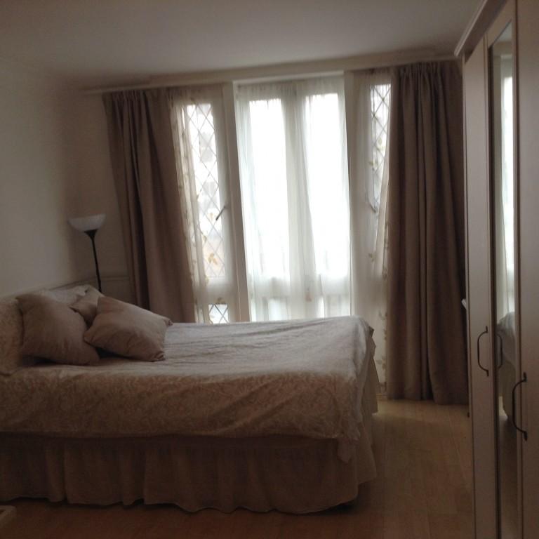 Equipped room in flat in Kensington, London