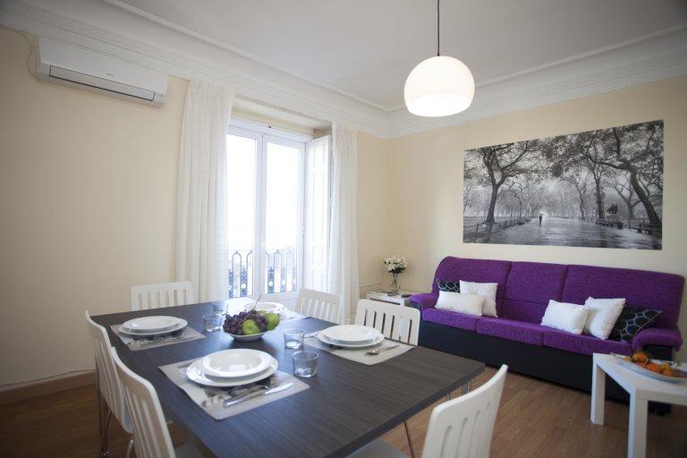 4-pokojowe mieszkanie w Ciutat Vella w Walencji