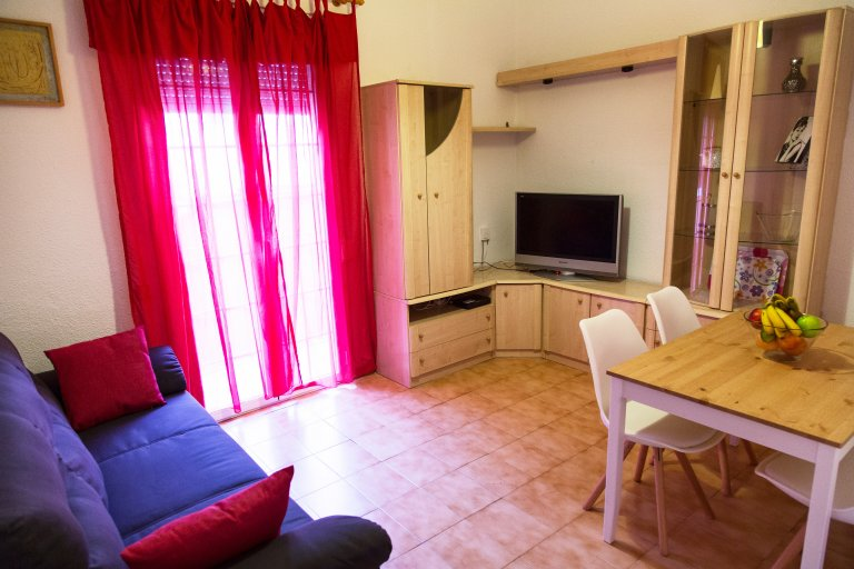 Inviting 3-bedroom apartment for rent in Gràcia, Barcelona