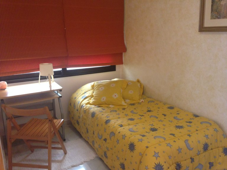 Room in shared apartment in València