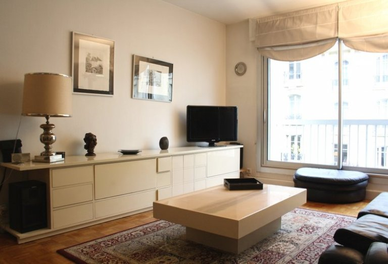 Bright 1-bedroom apartment for rent near Bois de Boulogne in the 16th arrondissement