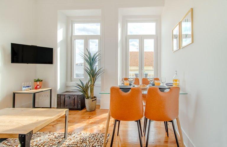 Allegro appartamento con 3 camere da letto in affitto a Penha de França