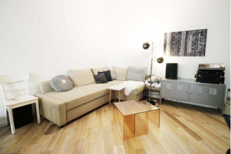 Grande appartamento con 3 camere da letto in affitto a Friedrichshain