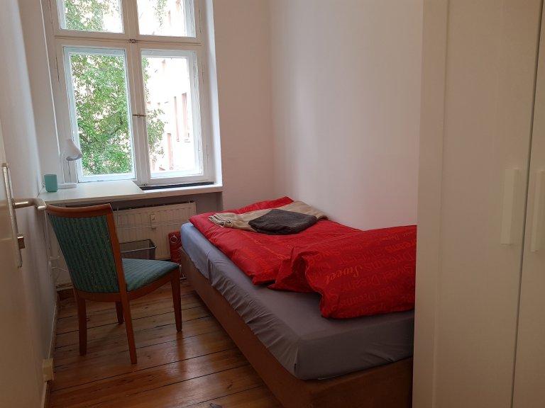 Przytulny pokój do wynajęcia, 3-pokojowe mieszkanie, Neukölln, Berlin