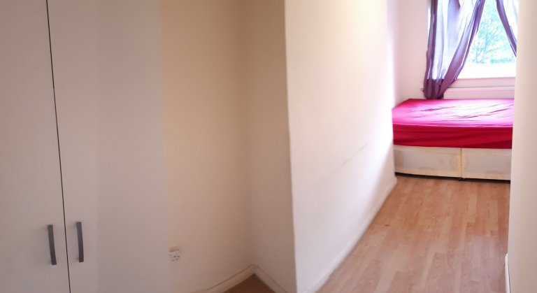 Bright room to rent in Hoxton, London