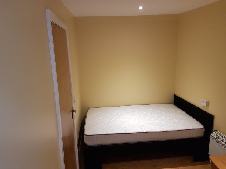 Furnished room in 2-bedroom house in Drumcondra, Dublin