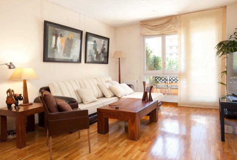 Elegancki 4-pokojowy apartament do wynajęcia w Eixample Dreta