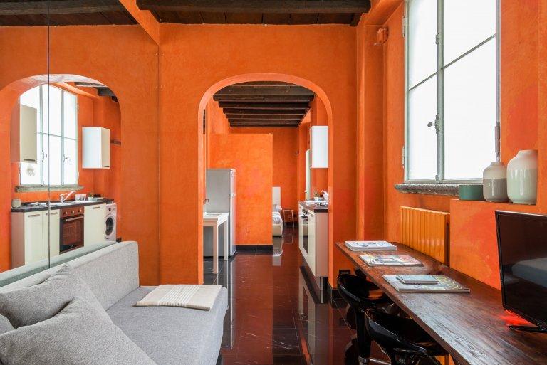 Monolocale unico in affitto a Centro, Milano