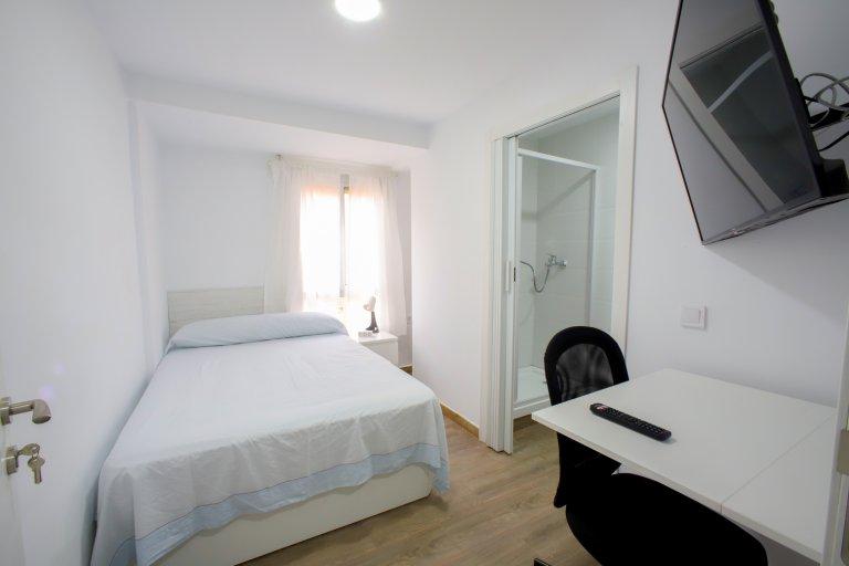 Schönes Zimmer zu vermieten in La Saïda, Valencia