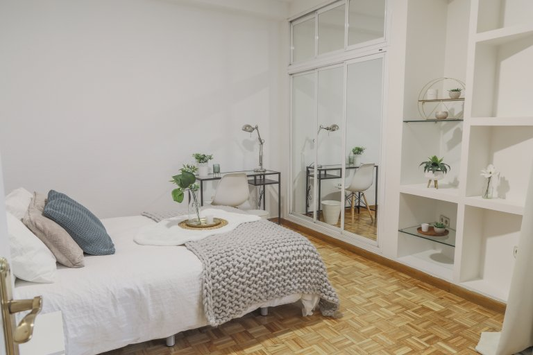 Beautiful room for rent in Delicias, Madrid