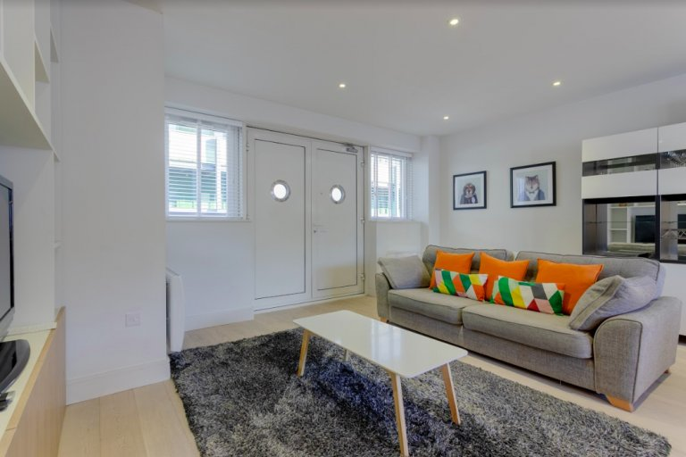 Lovely 2-bedroom apartment for rent in Southwark, London