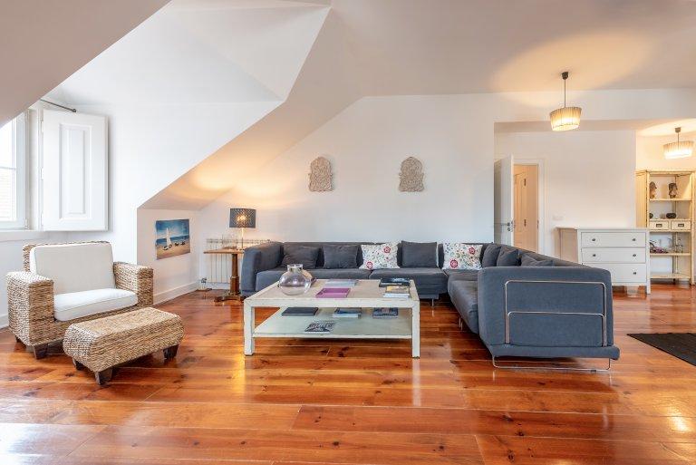 4-Zimmer-Wohnung zur Miete in Bairro Alto, Lissabon