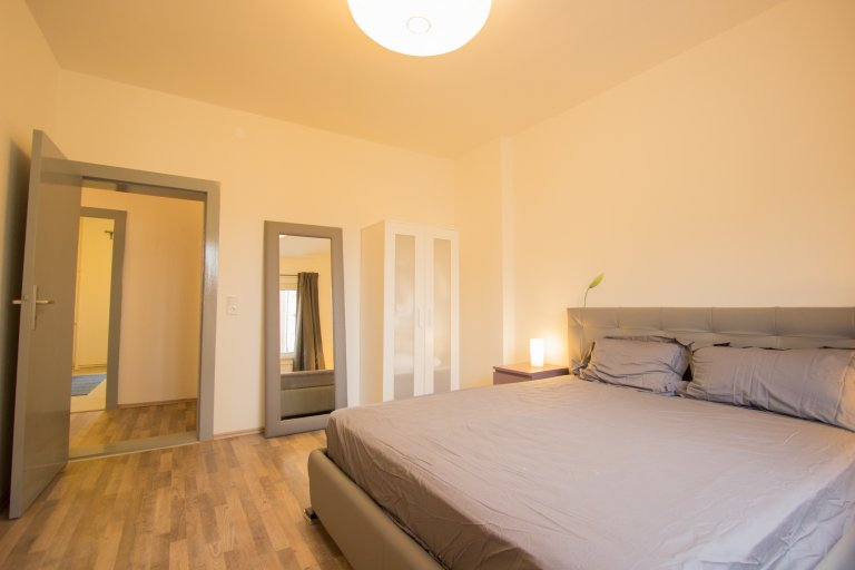 Double Bed in Rooms to rent, 3-bedroom apartment, Tempelhof-Schöneberg, Berlin