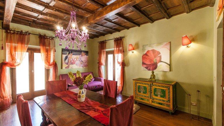 Apartamento de 2 quartos elegante para alugar em Centro Storico, Roma