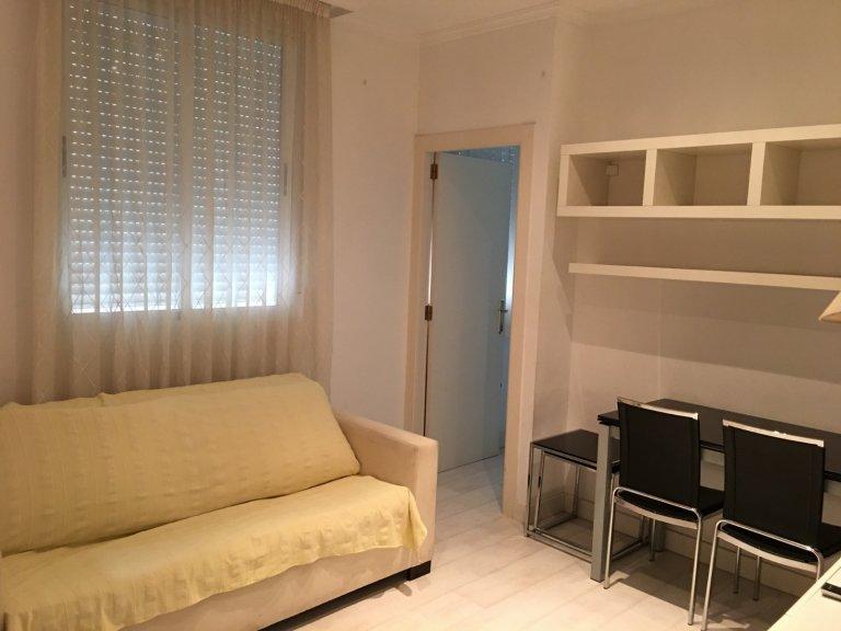 Apartamento pequeno de 1 quarto para alugar em l'Eixample, Valência