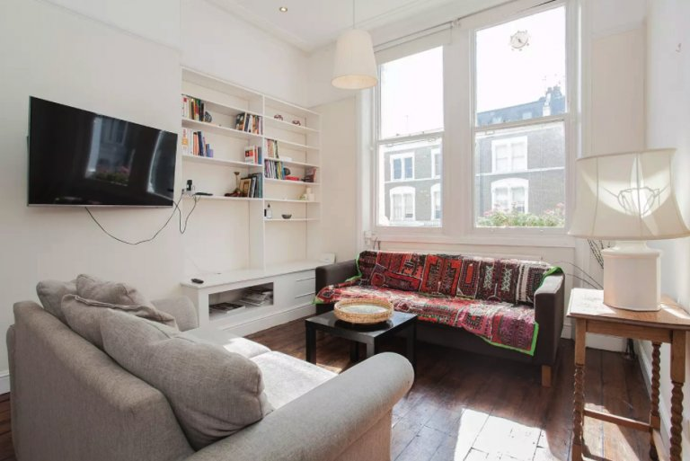 Bright 1-bedroom flat to rent in relaxed Shepherd's Bush