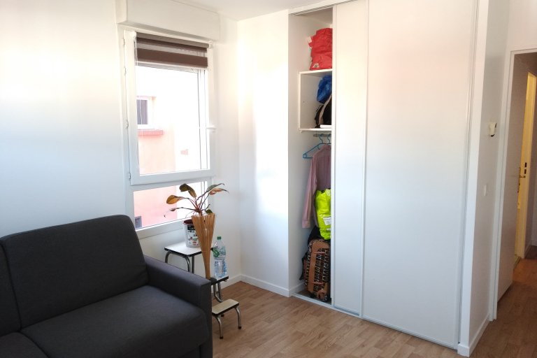 Room in shared apartment in Saint-Denis