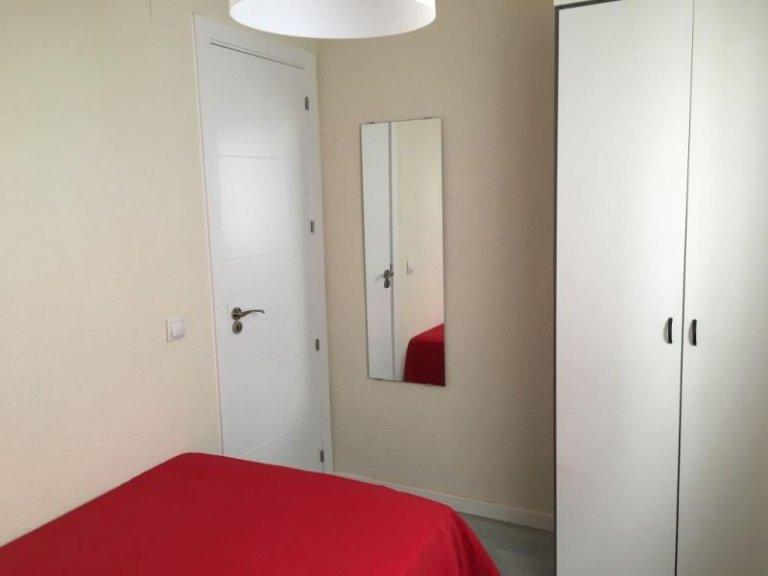 Chambre intérieure dans un appartement de 4 chambres à Getafe, Madrid