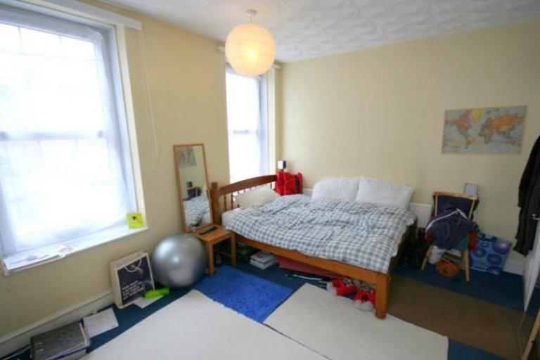 Habitación en piso compartido de 4 habitaciones en Tower Hamlets, Londres