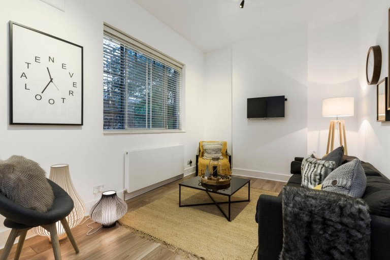 Charming 2-bedroom flat for rent in Westminster, London