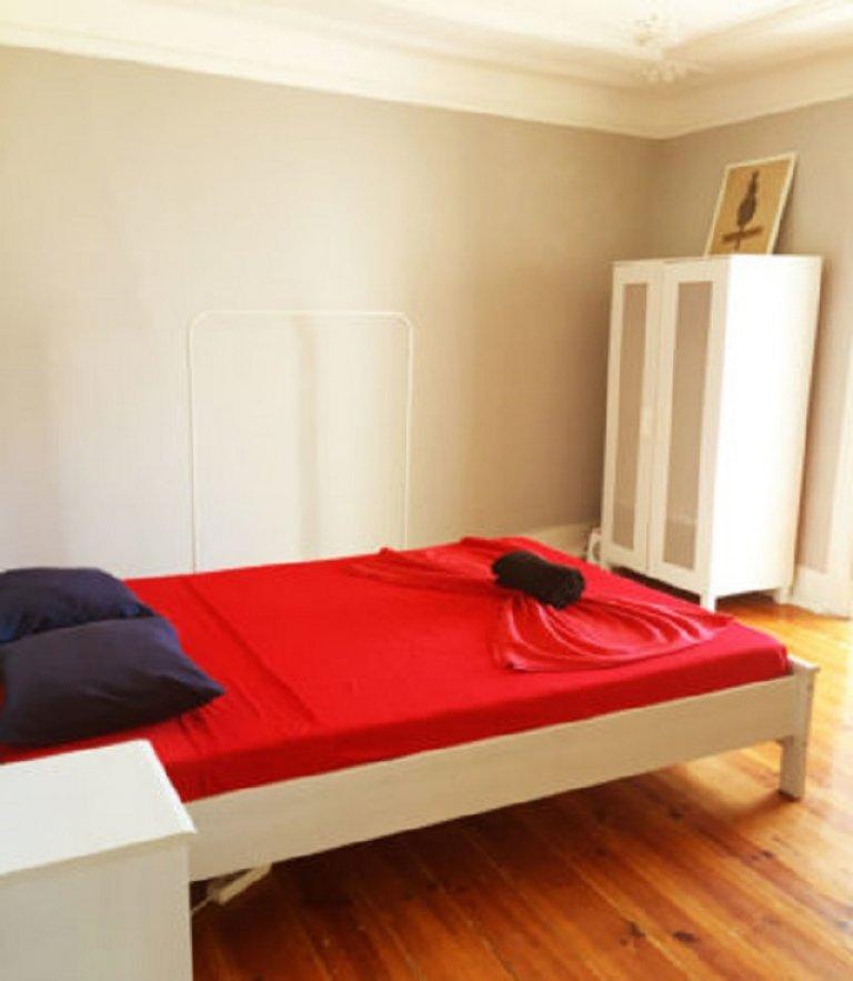 Habitación sencilla para alquilar, apartamento de 3 dormitorios, Misericórdia, Lisboa